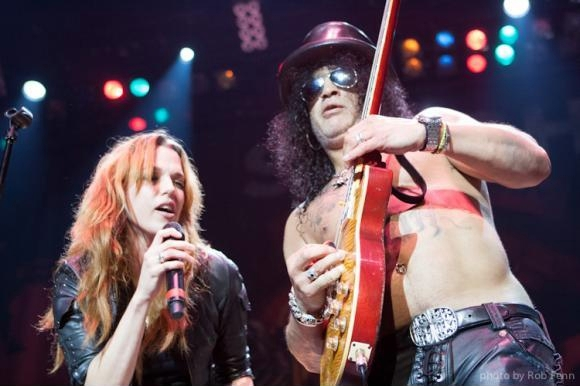 Lzzy with Slash (photo by Rob Fenn)